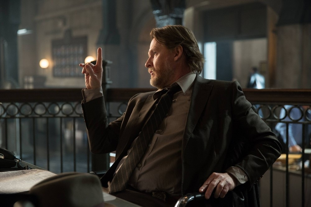 """Gotham"""" 1×19 – Gordon works a cold case while Fish tries to"""