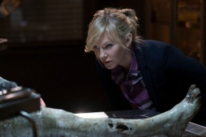 """LAW & ORDER: SPECIAL VICTIMS UNIT -- """"Devil's Dissections"""" Episode 17002 -- Pictured: Kelli Giddish as Detective Amanda Rollins -- (Photo by: Michael Parmelee/NBC)"""