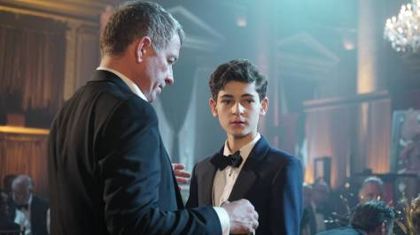 GOTHAM: (L-R) Alfred (Sean Pertwee) and Bruce (David Mazouz) in ÒRise of the Villains: The Last LaughÓ episode of GOTHAM airing Monday, Oct. 5 (8:00-9:00 PM ET/PT) on FOX. ©2015 Fox Broadcasting Co. Cr: Nicole Rivelli/FOX.