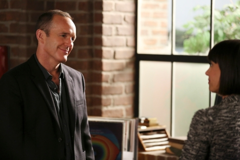 """MARVEL'S AGENTS OF S.H.I.E.L.D. - """"Many Heads, One Tale"""" - The S.H.I.E.L.D. team discovers dangerous truths about the ATCU, and Ward's plans to destroy S.H.I.E.L.D. take a surprising twist, on """"Marvel's Agents of S.H.I.E.L.D.,"""" TUESDAY, NOVEMBER 17 (9:00-10:00 p.m., ET) on the ABC Television Network. (ABC/John Fleenor) CLARK GREGG, CONSTANCE ZIMMER"""