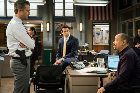 "LAW & ORDER: SPECIAL VICTIMS UNIT -- ""Melancholy Pursuit"" Episode 17008 -- Pictured: (l-r) Peter Scanavino as Dominick ""Sonny"" Carisi, Andy Karl as Sgt. Mike Dodds, Ice-T as Detective Odafin ""Fin"" Tutuola -- (Photo by: Michael Parmalee/NBC)"
