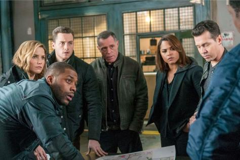 "CHICAGO P.D. -- ""A Little Devil Complex"" Episode 213 -- Pictured: (l-r) Laroyce Hawkins as Kevin Atwater, Sophia Bush as Erin Lindsay, Jesse Lee Soffer as Jay Halstead, Jason Beghe as Hank Voight, Monica Raymund as Gabriela Dawson, Jon Seda as Antonio Dawson -- (Photo by: Matt Dinerstein/NBC)"