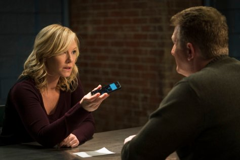 "LAW & ORDER: SPECIAL VICTIMS UNIT -- ""Sheltered Outcasts"" Episode 1719 -- Pictured: (l-r) Kelli Giddish as Amanda Rollins, Michael Rapaport as Richie Caskey -- (Photo by: Michael Parmelee/NBC)"