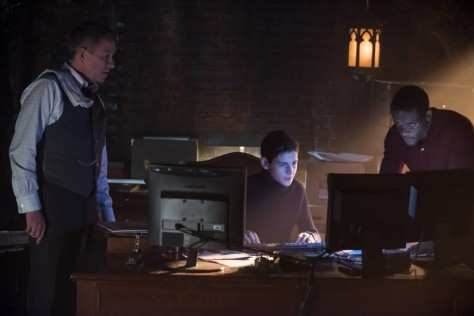 "GOTHAM: L-R: Sean Pertwee, David Mazouz and guest star Chris Chalk in the ""Wrath of the Villains: Pinewood"" episode of GOTHAM airing Monday, April, 18 (8:00-9:01 PM ET/PT) on FOX. ©2016 Fox Broadcasting Co. Cr: Jeff Neumann/FOX"